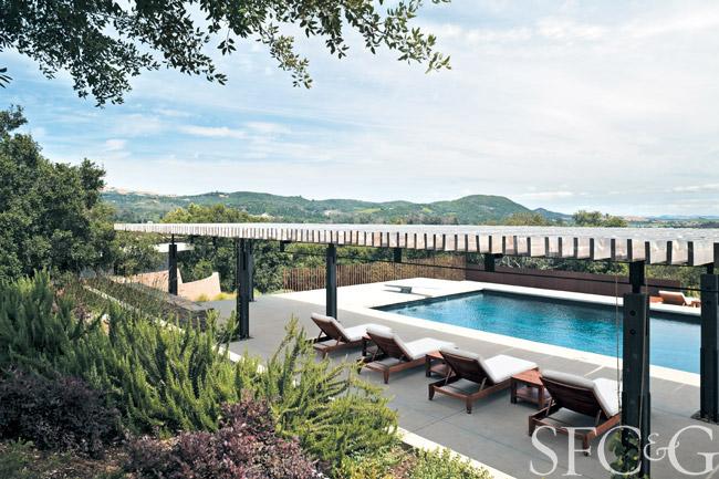 Bay-Area-Yoga-Retreat-Aidlin-Darling-Design-pool